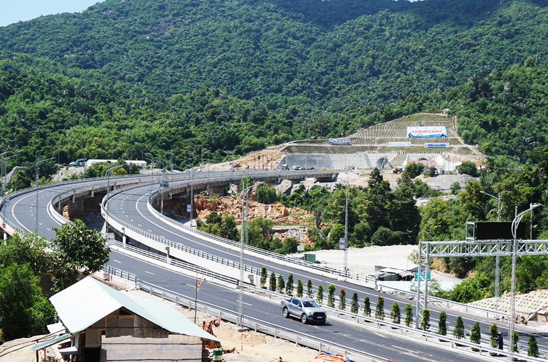 Thi công xây dựng cầu 2A, đường dẫn phía Bắc hầm Đèo Cả