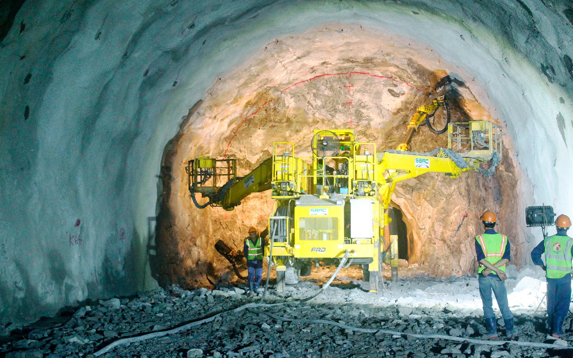 Hạng mục dự án mở rộng hầm đường bộ Hải Vân